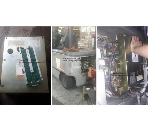 Thay thế bo công suất và sửa bo nguồn xe nâng điện ngồi lái TCM FB30-7