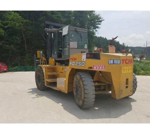Xe nâng cũ 20 tấn TCM Nhật Bản 2008