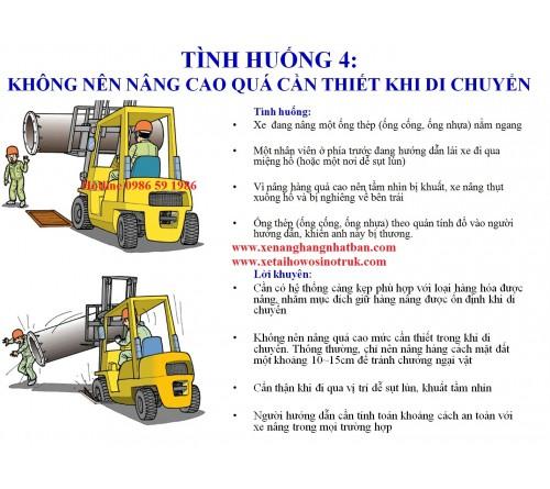 TH04: Chú ý tầm quan sát khi di chuyển xe nâng