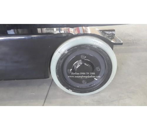 Bánh PU Xe Nâng Điện Đứng Lái Hyundai 10BR-9/ 13BR-9/ 15BR-9 / 18BR-9 / 20BR-9 / 25BR-9 / 30BR-9