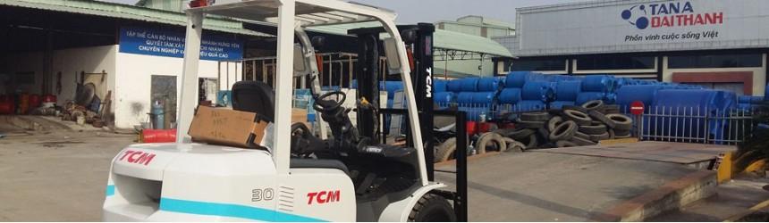 Bàn giao xe nâng 3 tấn TCM cho Nhà Máy Nhựa Stroman Việt Nam