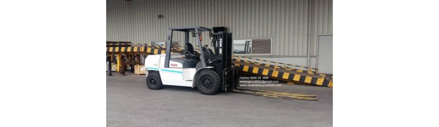 Xe nâng 5 tấn chui công TCM Nhật Bản FD50T9 + Dịch giá + Càng dài 2 mét