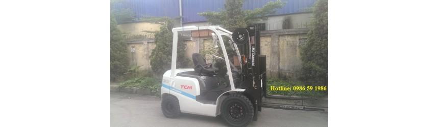 Xe nâng TCM tại các nhà máy sản xuất sợi, nhà máy may mặc
