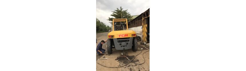 Bàn giao xe nâng 10 tấn TCM Nhật Bản, mới 100% tại TPHCM T8/2017