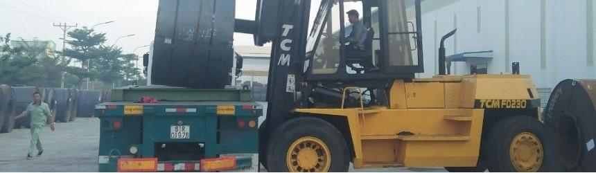Xe nâng 20 tấn, 25 tấn tại CTCP Tôn Nam Kim, Bình Dương