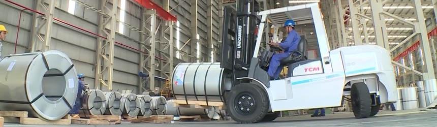 Xe nâng 5 tấn TCM Nhật Bản tại nhà máy Tôn Đông Á