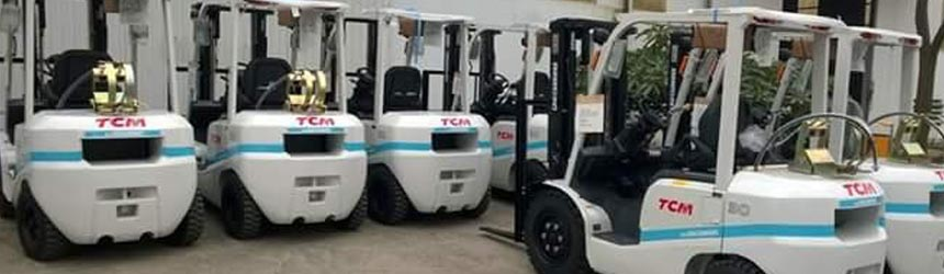 Xe nâng xăng ga tại nhà máy Đường Quảng Ngãi - VINASOY