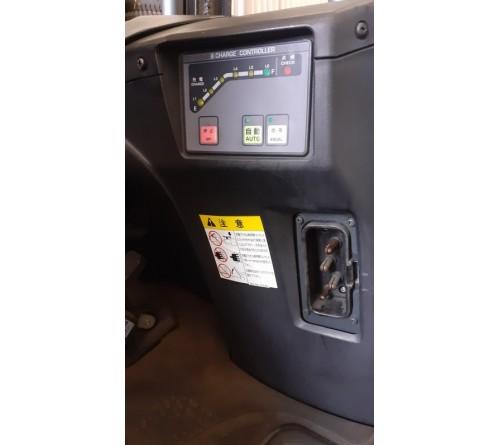 Xe nâng điện Komatsu 1.5 tấn, nâng cao 4 mét, đời cao 2013 - Ắc quy Kobe Hitachi 48V 402Ah VSFL402 - Xe đã qua sử dụng tại Nhật Bản